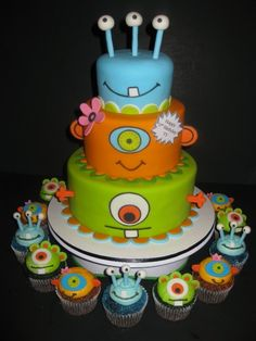 Monsters Birthday Cake & Cupcakes