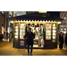 Milan    December 11 2014  #street #streetlife #streetphotography #people #milan #milano #milanocityufficiale #milanodavedere #milanocity #city #life #streetstyle #photography #ig_captures #igworldclub #ig_worldclub #ig_europe #igersitalia #ig_italy #ig_italia #igersmilano #ig_milan_ #ig_milano #ig_milan by photo.amandamelo