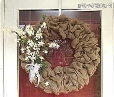 How to Make a Burlap Wreath - best tutorial I've found