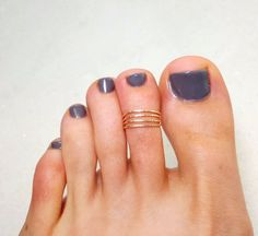 Gold Toe Ring Adjustable 4 strand hammered 14K by hoopsbyhand