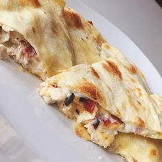 Chicken bacon ranch quesadillas The most DELICIOUS CBR Quesadilla recipe This is a great weeknight meal and comes together quickly Mexican Dishes, Mexican Food Recipes, Dinner Recipes, Easy Cooking, Cooking Recipes, Healthy Recipes, Fast Recipes, Weeknight Meals, Easy Meals