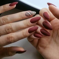 The trend of nails changes with the seasons. In this winter, matte nails are gradually popular. matte nails has this low-key gorgeous appearance and excellent texture, which is loved by ladies. Christmas Nail Art Designs, Fall Nail Designs, Christmas Nails, Uñas Color Cafe, Burgundy Nail Art, Latest Nail Art, Perfect Nails, Red Nails, Fall Nails