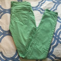 """Mint skinny jeans Mint skinny jeans. A great addition to your spring wardrobe! The brand is """"Life in Progress."""" Originally purchased from Forever 21. Inseam: 28"""" 98% cotton and 2% spandex/elastane (a bit of stretch to these) Forever 21 Jeans Skinny"""
