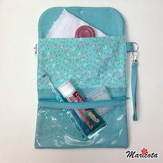 Necessaire Kit Higiene em Patchwork no Lunch Box, Patches, Blog, Diy, Manicure, Health Products, Scrappy Quilts, Oral Hygiene, Fabric Crafts