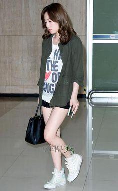 Taeyeon ; cool airport fashion