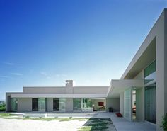Modern House Design : Palm Desert house by Jay Reynolds