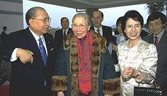Beautiful essay about a woman overcoming all hardships. Daisaku and Kaneko Ikeda with Fang Zhaoling (center) (Hong Kong, December 2000)