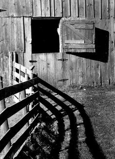 B & W Picture Of Barn