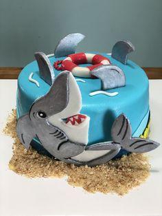 Shark cake #idolcidipaola