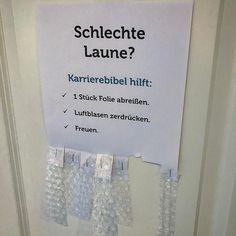 Man muss helfen wo man kann...  #fun #funny #spruch #sprüche #quote #office
