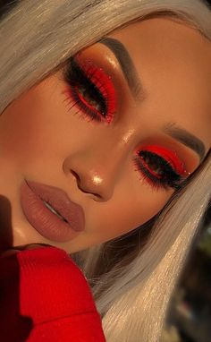 31 Glamour and Cute Lipstick Ideas for 2019 ! How To Apply Lipstick Perfectly! Part lipstick colors; lipstick tutorial - 31 Glamour and Cute Lipstick Ideas for 2019 ! How To Apply Lipstick Perfectly! Part 1 Makeup Eye Looks, Cute Makeup, Pretty Makeup, Skin Makeup, Eyeshadow Makeup, Lipstick Dupes, Lipstick Swatches, Lipstick Colors, Red Eye Makeup