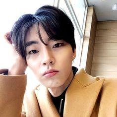 Cute Asian Guys, Cute Guys, Dramas, Kim Jisoo, Doja Cat, Marvel Wallpaper, Kdrama Actors, Cha Eun Woo, Flower Boys