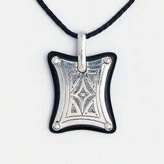 Amuletă tuaregă Kitab, argint și lemn de abanos, Niger #metaphora #silverjewelry #tuaregjewelry #pendant #amulet #kitab #ebony Hamsa, Washer Necklace, Jewellery, Fashion, Moda, Jewels, Fashion Styles, Schmuck, Fashion Illustrations