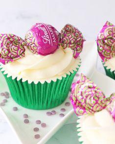 Amaretto Lindt Cupcakes 💚 Almond sponge with Disaronno infused buttercream | instagram.com/laurascakes_x Amaretto Flavor, Almond, Cupcakes, Drink, Chocolate, Desserts, Instagram, Food, Soda