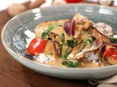 Thai Drunken Noodles, Something Sweet, Dory, Lchf, Thai Red Curry, Potato Salad, Tapas, Dinner Recipes, Food And Drink