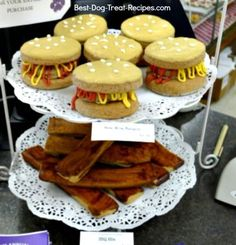 Add dog treat icing to your gourmet dog treat recipes for special effects like these hamburgers and bacon strips.