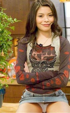 Image result for iCarly Miranda Cosgrove Upskirt