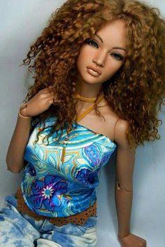 Curls • Dolls