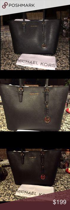 Michael Kors Black Large Tote New w/tags❤🌲❤ Michael Kors Black Large Tote New w/tags❤🌲❤No dust bag as shown Michael Kors Bags Totes