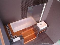 Miniature modern bathtub