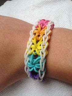 How to Make a Rainbow Loom Starburst Bracelet - phew thank goodness for this easy to follow guide!