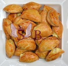 Sugar & Breads in Greece Greek Recipes, Real Food Recipes, Cooking Recipes, Yummy Food, Cypriot Food, Greek Pastries, Greek Cooking, Brunch, Recipes From Heaven