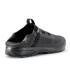 Arakys Approach Shoe Men's Advanced Arc'teryx technologies come together in the first ultralight bouldering and single pitch approach shoe.