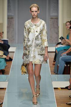 51 photos of Roccobarocco at Milan Fashion Week Spring 2015.