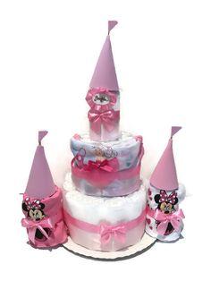 Vár készült pelenkából, rugiból és body-kból egy édes kislány születésére. *-* <3 #pelenkatorta #babaváróajándék #egyedipelenkatorta #diapercake #itsagirl #Minnie #lovemyjob Minnie, Body, Birthday Candles, Cake, Pie Cake, Pie, Cakes, Cookie