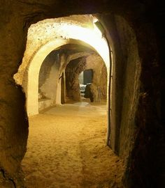 Znojmo Catacombs http://www.znojmocity.cz/EN/vismo/dokumenty2.asp?id_org=100451&id=1049&p1=52