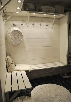In sauna dressing room. Out comes the white paint! Small Pool Houses, Pool House Bathroom, Building A Sauna, Outdoor Sauna, Sauna Design, Finnish Sauna, Sauna Room, Changing Room, Jacuzzi