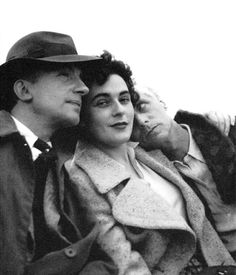 Paul Eluard, Leonora Carrington y Max Ernst (portada del libro Leonora).