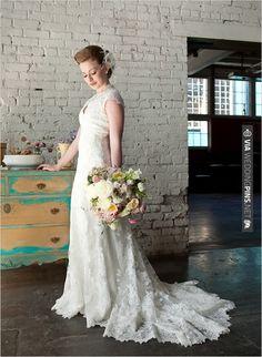 lace wedding dress | CHECK OUT MORE IDEAS AT WEDDINGPINS.NET | #bridesmaids