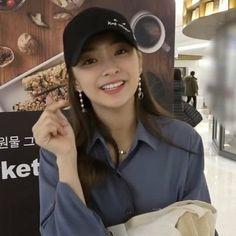 South Korean Girls, Korean Girl Groups, Ulzzang Korean Girl, Pretty Girls, Cool Girl, Girlfriends, Rapper, Idol, Songs