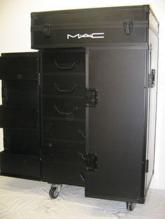 Jesus Christ. The mother ship of MAC train cases...for ALL of my cosmetic storage needs. Maybe someday.