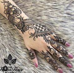 50 Most beautiful Actor Mehndi Design (Actor Henna Design) that you can apply on your Beautiful Hands and Body in daily life. Engagement Mehndi Designs, Latest Bridal Mehndi Designs, Mehndi Designs For Girls, Modern Mehndi Designs, Mehndi Design Pictures, Mehndi Designs For Fingers, Beautiful Mehndi Design, Henna Flower Designs, Arabic Henna Designs