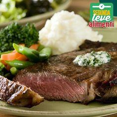 carne é uma ótima fonte de proteína e vitamina B12. Combinada com vegetais, é uma opção leve e saborosa para começar a semana. Porque manter hábitos saudáveis deixa a vida com um sabor especial.