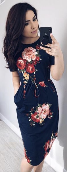 Modest fashion 353391902007694408 - The Darling Style Boutique Navy Floral Midi Dress Beautiful Casual Dresses, Trendy Dresses, Cute Dresses, Dress Casual, Spring Dresses Casual, Long Dresses, Maxi Dresses, Casual Dresses For Women, Evening Dresses