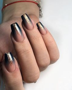 Hermosas uñas Manicura DivaNail Nail Art # Beautiful # Manicure # Nails Best Picture For beauty nails orange For Your Taste You are looking for something, and it is going to tell you… Diy Nails, Cute Nails, Pretty Nails, Black Nail Polish, Black Nails, Classic Nails, Nagellack Trends, Nagel Gel, Gorgeous Nails