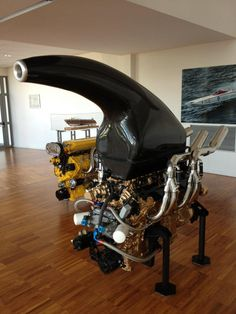 one of the offshore boat twin engine world champion, 8000 cc (500 c.i) and over 1100 HP at 7500 RPM  also at the Lambo Museum