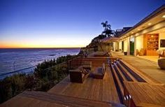 Oceanfront luxury vacation home for sale at Encinal Bluff along the Pacific Coast Highway in Malibu, California Malibu California, California Style, California Homes, Houses Architecture, Malibu Beach House, Beachfront Property, Design Exterior, Dream Beach Houses, Malibu Beaches