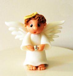 Little Christmas Angel Tutorial | SatinIce.com by Etty van Urk of the Cake Dutchess.