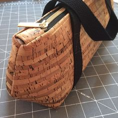 Natural and purple cork fabric exterior with cotton lining and metallic zipper closure. Wine Purse, Cooking With White Wine, Make Your Own Wine, Wine Reviews, Cork Fabric, Wine Drinks, Bag Making, Wines, Red Wine