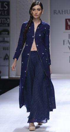 Hand woven jamdani long tunic by RAHUL MISHRA. http://www.perniaspopupshop.com/wills-fashion-week/rahul-mishra #fashionweek #willslifestyleindiafashionweek