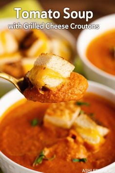 Homemade Tomato Soup with Grilled Cheese Croutons – recipe video (Ashlee Marie – real fun with real food) - Tomaten Healthy Grilling Recipes, Grilled Steak Recipes, Real Food Recipes, Vegetarian Recipes, Crouton Recipes, Soup Recipes, Easy Recipes, Linguine, Orzo