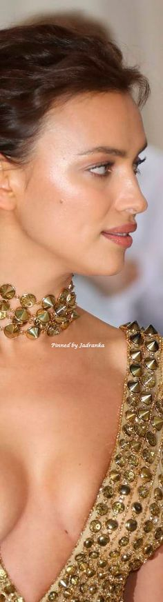 Love And Light, Peace And Love, Irina Shayk Style, Web Colors, Golden Goddess, 1 Real, Pin Logo, Touch Of Gold, Color Fashion
