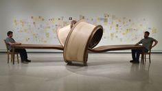 Verknoteter Tisch 'Not Now' von Michael Beitz | iGNANT.de