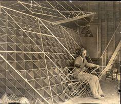 Planes and tetrahedral kites - The green box