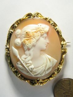 SUPER ANTIQUE 18K GOLD CARVED SHELL CAMEO PIN BROOCH c1860 DIONYSUS / BACCHUS