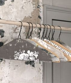 DIY Fabric Covered Clothes Hanger-good way to make wire hangers grip the clothes better. Fabric Covered Hangers, Wire Coat Hangers, Clothes Hangers, Metal Hangers, Plastic Hangers, Diy Clothes, Baby Hangers, Wooden Hangers, Diy Projects